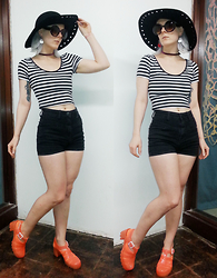 Suzi West - Forever 21 Wide Brim Hat, Forever 21 Large Round Sunglasses, Degree Striped Crop Top, Bdg High Waist Shorts, Juju Footwear Jelly Sandals - 27 April 2015