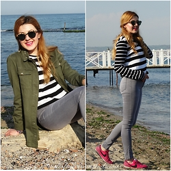 Melislicious Blog - Persun Shirt, Mango Top, Nike Sneakers - Striped