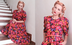 Laurentia E.E. - Vintage Dress - Flora
