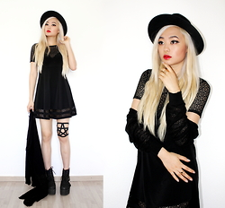 Kicki Yang Zhang - H&M Hat, Tobi Dress, Distresseddolls Pentagram Garter, Asos Shoes, Primark Cardigan, Asos Rings - Reach the Stars