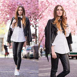 Lisa Fiege - Adidas Sneakers, Leather Pants, Blouse, Leather Jacket - Bows & Blossoms