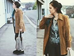 Amanda Runde - Vintage Leather Jacket, Fringe Bag, Tuk Creepers, Necklace - Black Eagle
