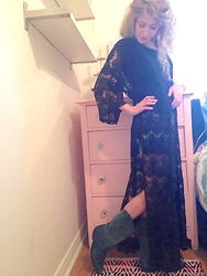Danielle Somers - Middlechildvintage Vintage Spanish Green Cowboy Boots, Forever 21 Black Lace Kimono - East Meets West-Cowboys & Kimonos