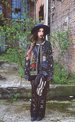 Muzzy Stardust - Vintage Sequin Jacket, Spell And The Gypsy Desings Bag, Etsy Necklace, Catarzi Hat - Dead Finks Don't Talk