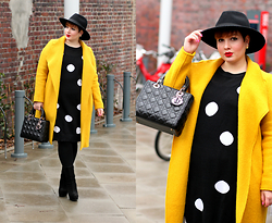 "Luciana Blümlein - H&M Divided Hat, Zara Coat, Carmakoma Sweater, Christian Dior ""Lady Dior"" Bag, Young Spirit Boots, Christian Dior ""Mise En Dior"" Earrings - Yellow Coat & Polka Dots"