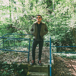Florian Roser - Ben Sherman Jacket, Ben Sherman Shirt, Cos Jeans, Timberland Boots, Ray Ban Sunglasses - Roadtrip Uniform