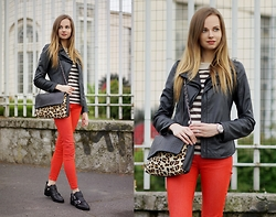 Olya Suvorova - Mango Leopard Print Leather Bag, United Colors Of Benetton Red Skinny Jeans, Zara Cut Out Leather Boots - Striped, red & leopard
