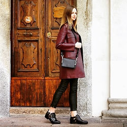 Olya Suvorova - Zara Faux Leather Coat, & Other Stories Leather Cross Body Bag, Zara Cut Out Leather Boots - Burgundy coat