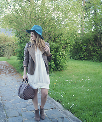 Alba Leclerc - Maje Dress, Louis Vuitton Bag, Caroll Jacket, Clarks Ankle Boots - Silk x leather