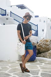 David Guison -  - Going Greek