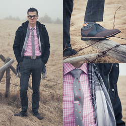 Chris Nicholas - Geezer Melbourne The Collins, Cole Haan Saddles, H&M Plaid, Indochino Pink Gingham - 127