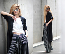 Sirma Markova - Choies Blouse, H&M Wide Leg Trousers, Mango Shopper Bag, H&M Studio Flowing Coat - White Stripes