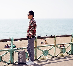 Avery D - Topman Floral Jacket, Nike Sneaker - Floral on the beach
