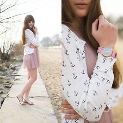 Andrea Funk / andysparkles.de - Pop Pilot Watch, Primark Cardigan - Seaside Blossoms