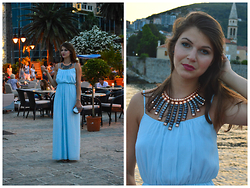 Cerasela Bortos - H&M Necklace, Zara Maxi Dress, H&M Silver Clutch - Summer paradise