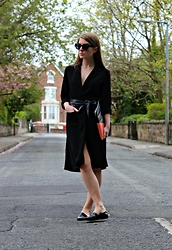 Angharad Jones - Asos Sunglasses, New Look Coat, Vintage Belt, Marc By Jacobs Clutch, Zara Flats - Coat-turned-dress