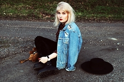 Thelma Malna - 2nd Hand Ripped Denim Jacket, 2nd Hand Tartan Blouse, H&M Velvet Leggings, 2nd Hand Teddy Backpack, Daniel Wellington Watch, Dr. Martens Jadon Boots - TEDDY BACKPACK