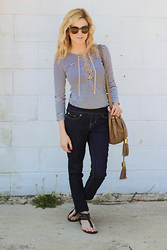 Kim Tuttle - Michael Antonio Gladiator, Jag Jeans Nora, See By Chloé Bucket Bag, Camp Collection Top - Casual weekend style