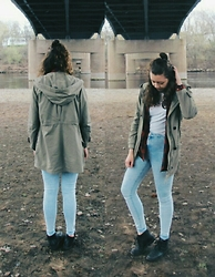 Hannah J - Topshop Acid Wash Jeans, Gap Anorak - It doesn't feel the same