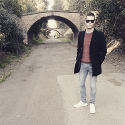 Mirko Massa - Zara Sweater, Berhka Jeans, Adidas Sneakers, Ray Ban Sunglasses - THE BRIDGE