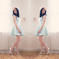 Emel Acar - Sheinside Dress, H&M Flower Crown - Mint Dress