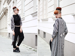 Kaj Lydia - Vila Kimono, Nike Air Force 1, New Look Cropped Sleeveless Turtleneck - The Perfect Kimono