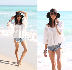 Karla Quinones - Billabong Hidden Bloom Top, Forever 21 High Waist Shorts, Zerouv Aviator Sunglasses, Cottonon Hat - Fade to White