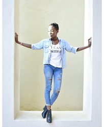 Kii Fundafunda - Levi's Denim Shirt, Ripped Jeans, Chelsea Boots - * Sit With Us *
