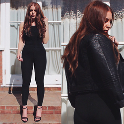Layla Panam - Sole Affair Mesh Heels, Topshop Thick Leggings, Boohoo Backless Bodysuit, Primark Pu Leather Jacket - GHETTO GIRL GLAM