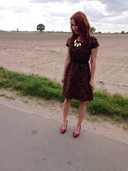 Bieke De Deyne - Vintage Dress, New Look Shies - Touching you feels so right