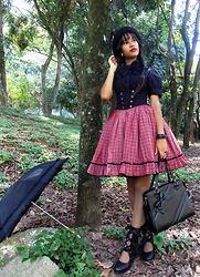 Lais Gonçalves - Secret Shop Black Boots, Innocent World Tartan High Waist Skirt, Body Line Black Blouse, Lady Sloth Black Bow, Paris Kids Ring, Loris Black Bag, Ebay Black Bowler Hat, Body Line Badge With Feathers Brooch, Trifil Tights, Liberdade Black Parasol - The forest of denial.
