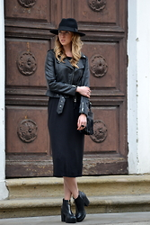 Lucie Redlich - H&M Jacket, H&M Dress, H&M Hat, River Island Boots - Leather look jacket