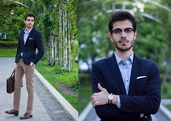 Artem Arutyunov - Massimo Dutti Pants, Loake Monks, Gerard Henon Bag, Ray Ban Glasses, Zara Blazer, Massimo Dutti Shirt, Daniel Wellington Watch - Almost Summer in Moscow