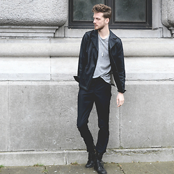 Martin Bonke - 8mm Coat, Cos Cropped T Shirt, American Apparel Dark Pants, Steve Madden Boots - Right Here.