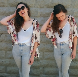 Hannah J - Brandy Melville Shirt, Topshop Acid Wash Jeans, Charlotte Russe Round Sunglasses - Cant do without you