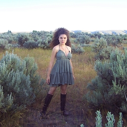 Laura Curly - Free People 100 Degree Dress, Dirty Laundry Pride And Joy Boots - Standing in Sage