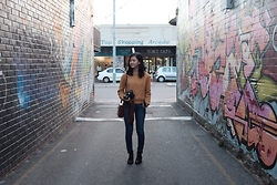 Sue Chung - J Brand Jeans, The Iconic Boots - Grab your camera & explore with me