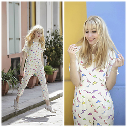 Typhaine - The Whitepepper Jumpsuit, Converse Shoes - Un deux trois soleil