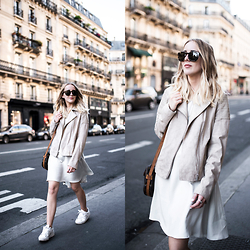 TIPHAINE MARIE -  - Parisian streets.