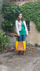 Angelica Giannini - H&M Tee, H&M Jacket, Zara Jeans, Bedress Bag, Prima Donna Collection Stivaletti - Giacca con le rouches e stivaletti con tacco di legno