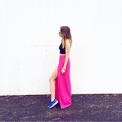 Anna Schowe - Nike Shoes, H&M Skirt - Kicks