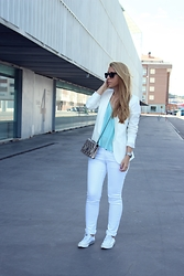 Patricia Jiménez - H&M Blazer, Mango Jeans - Starting with Blue