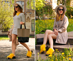 Iren P. - Dresslink Striped Mini Dress, Dresslink Two Toned Shopper Tote Bag, Diy Faux Fur Yellow Sandals, Beige Trench Coat, Straw Fedora Hat - DANDELIAN FURRY FLATS