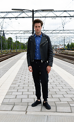 Jordi - Acne Studios Gibson Leather Jacket, Filippa K Peter Shirt, Acne Studios Johna Sweatpants, Topman Shoes - Dots