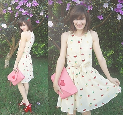 Lilian Larrañaga - Pepaloves Fruit Dress, Pepaloves Bag, Melissa Shoes - Fruit Dress!