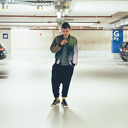 Florian Roser - Y 3 Jacket, Y 3 Sweatpants, Cos Tee, Adidas Sneakers - Streetwear & Coffee