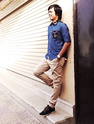Ahmad Talon - Aldo Lace Up, Dnm Khaki Pants, Bossini Shirt, Seiko Wristwatch - Weekend Style