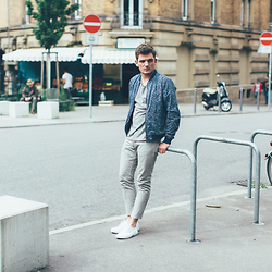 Florian Roser - Topman Jacket, Uniqlo Tee, Cos Jeans, Superga Sneakers - Neighborhood Chillin