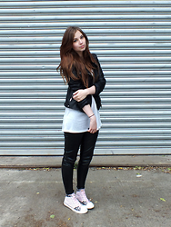 OH ANNE (BLOGGER) - New Yorker Leather Jacket, H&M Top, New Yorker Leather Pants, Anton Z Sneaker - LEATHER ADDICTED