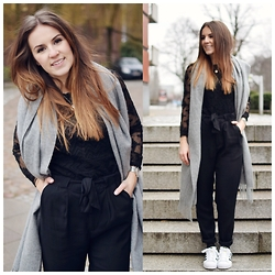 Sonja Shoppisticated - Isabel Marant Top, H&M Pants, Adidas Shoes, Weekday Scarf - Superstars